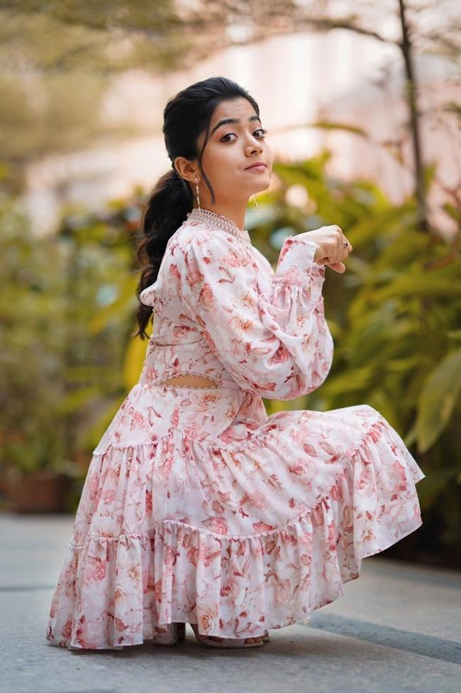 Rashmika Mandanna Phots – Rashmika mandanna latest breaking news, pictures, photos and video news.