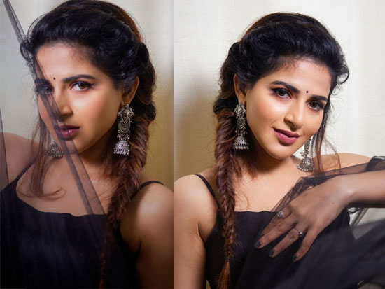 Iswarya Menon Hd Wallpapers