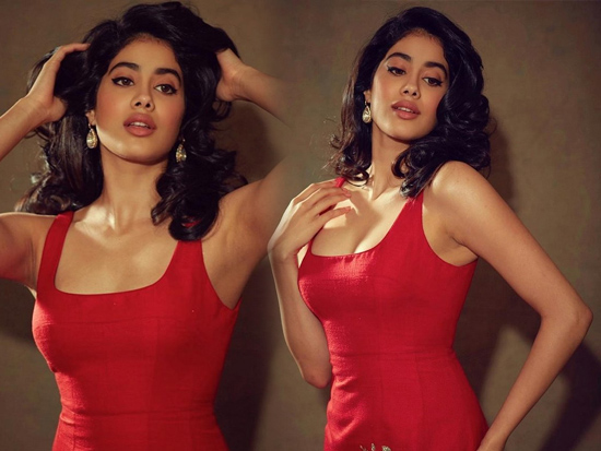 Janhvi Kapoor Looking Gorgeous In Red