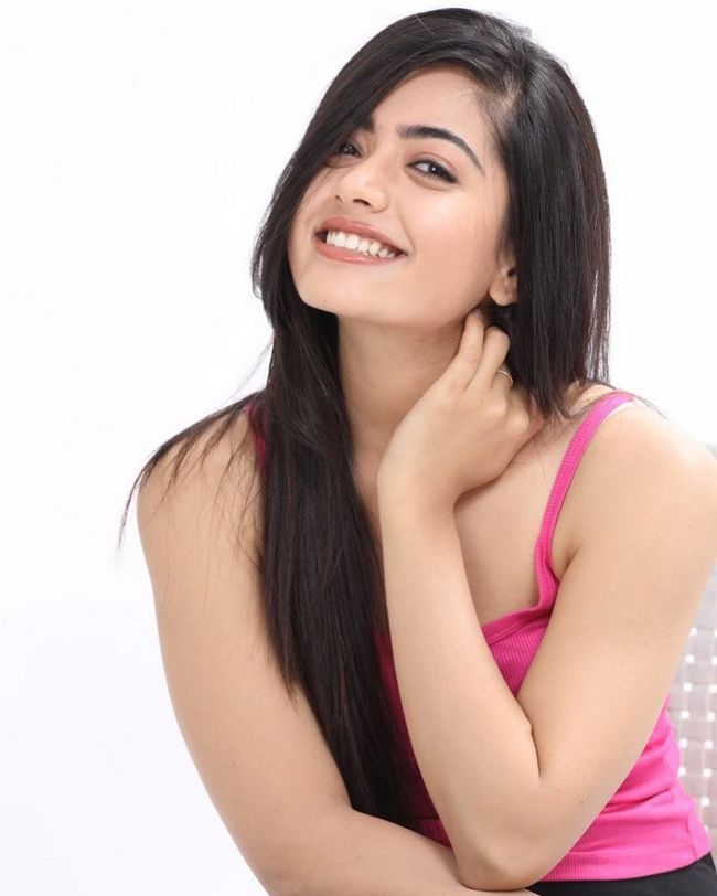 Rashmika Mandanna Awesome Wallpapers