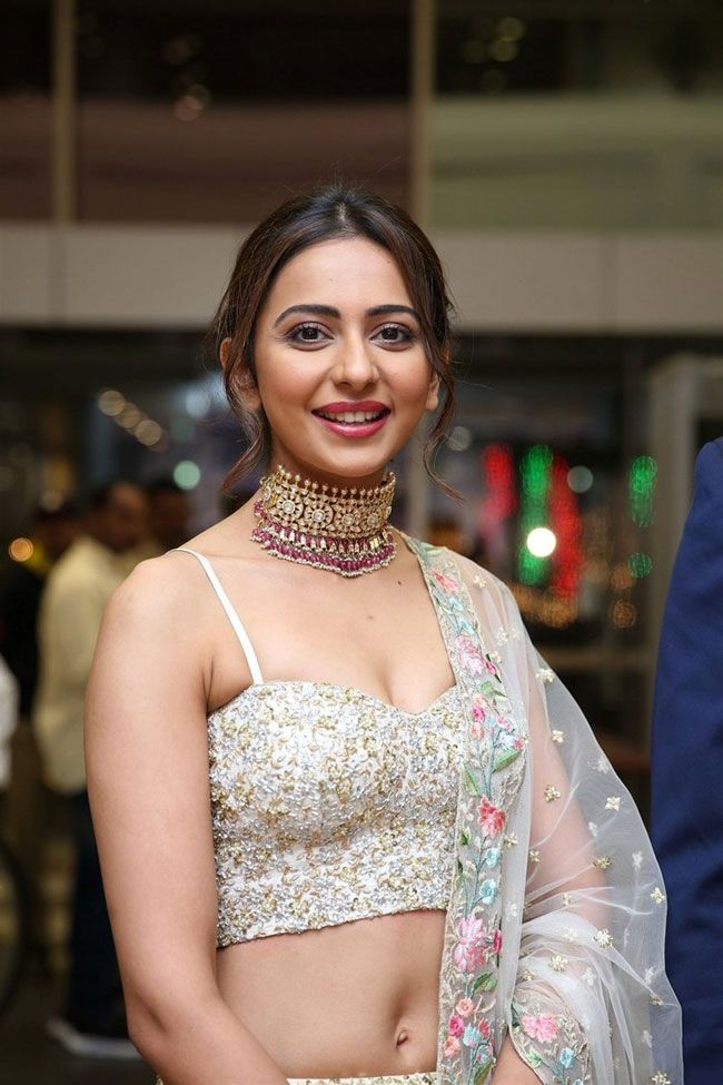 Rakul Preet Beautiful Stills