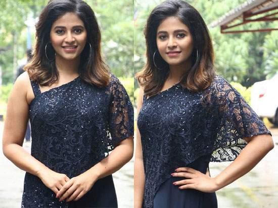 Anjali Looking Beautiful In Black Wear