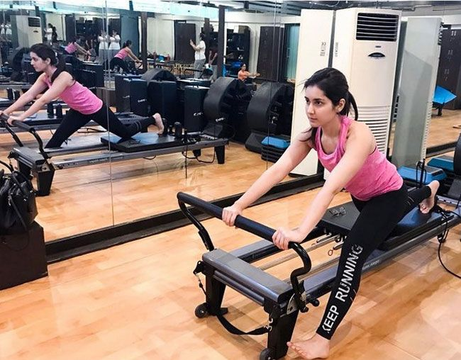 Raashi Khanna Steals Your Heart With Her Gym Workouts