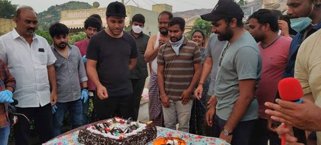 Director Kishore Reddy birthday celebrations on the sets of Sreekaram