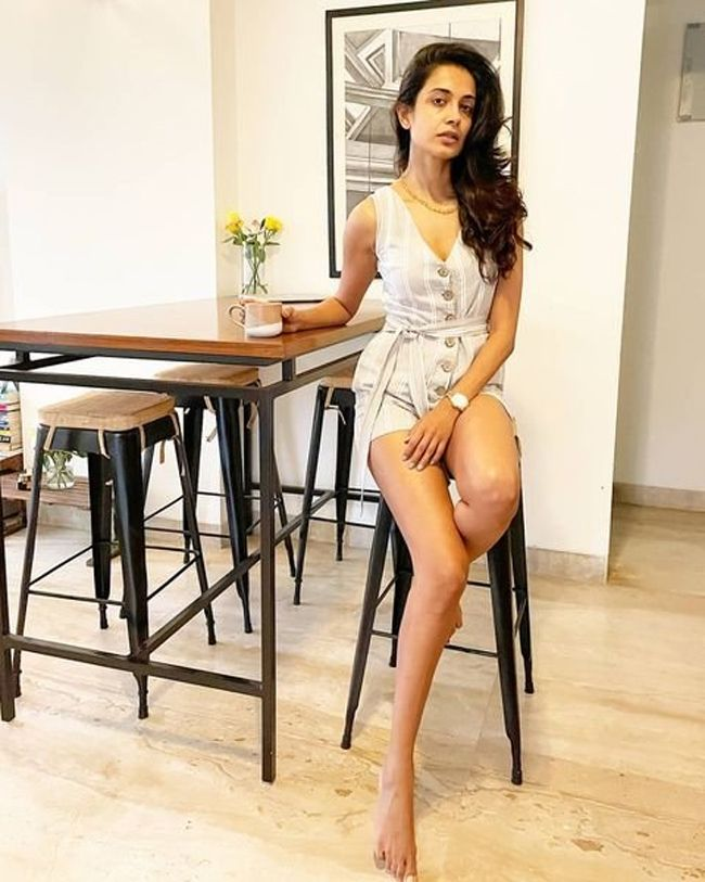 Sarah Jane Dias Latest Photos