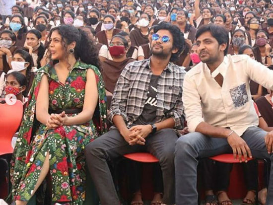 Pictures From The Event Of MeeloJathiRatnalu Meet