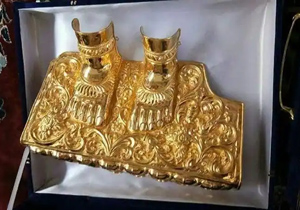 Bhadradri Rama as the Ramayana of gold 13.50 kg of gold as a gift