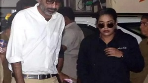Mumaith Khan lands at ED office in Tollywood Drugs Case