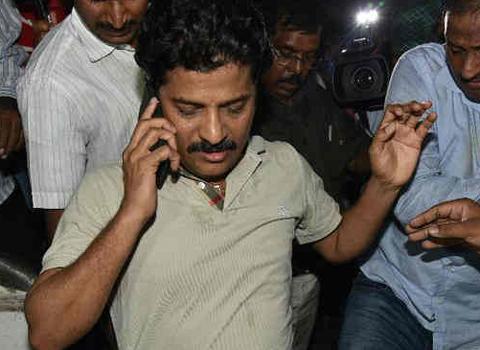 chandrababu Naidu Out of Revanth Reddy bribe Issue