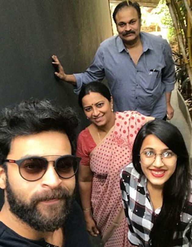 Naga Babu Family Selfie | Varun Tej niharika and Nagababu ...