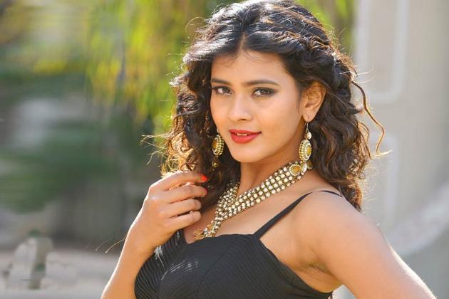 Hebah Patel Wild Card Entry in Bigg Boss 2