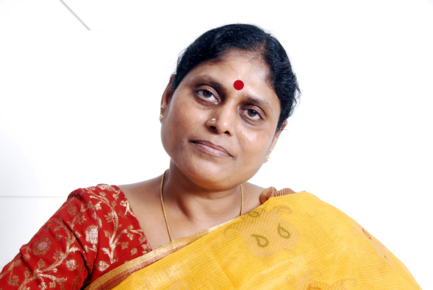 YS Vijayamma Comments on Pawan kalyan And Prdicts 120 Seats for YSRCP