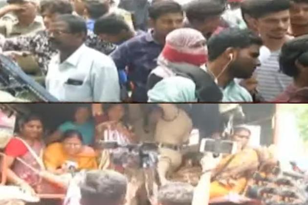 Janasena activists stage protest at Pragathi Bhavan