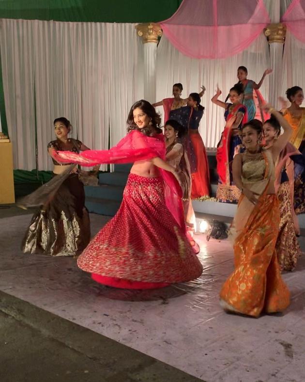 Raashi Khanna Workouts Video Viral in Social Media