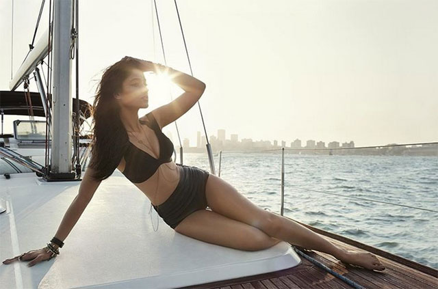 Actress Ileana DCruz Bikini Pose