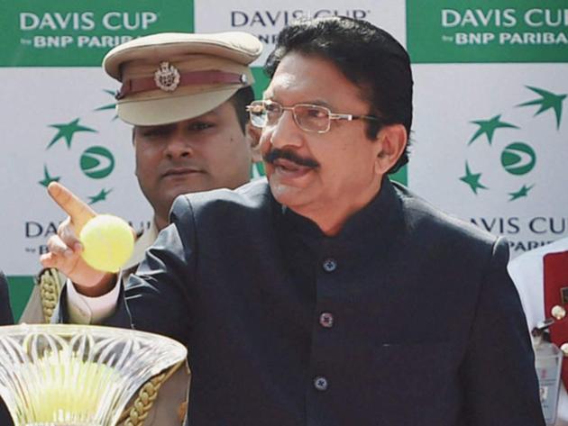 BJP using Vidyasagar Rao To Strengthen in Telangana State