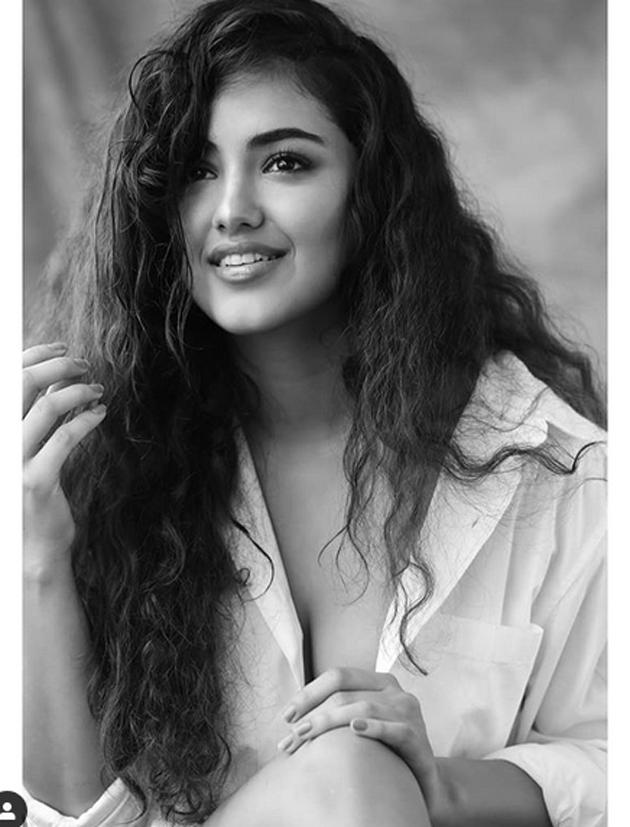 Malavika Sharma Glamourous Pose