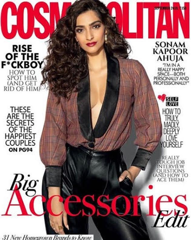 Sonam Kapoor Glamourous Pose