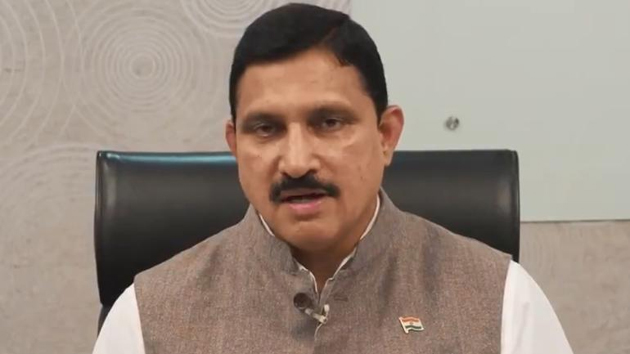 Sujana Chowdary Meets Andhra Governor With Capital Farmers