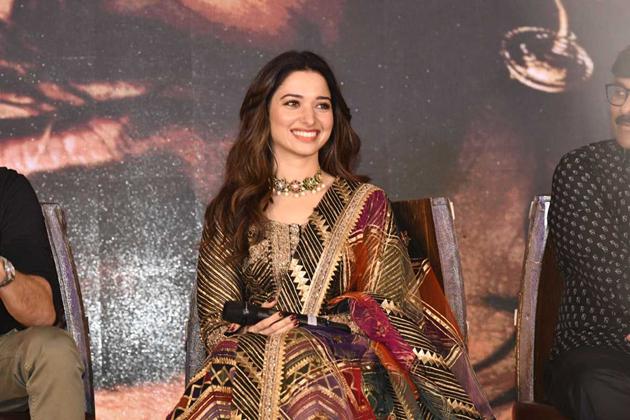 Tamanna Song Highlight in Chiranjeevi Sye Raa Movie
