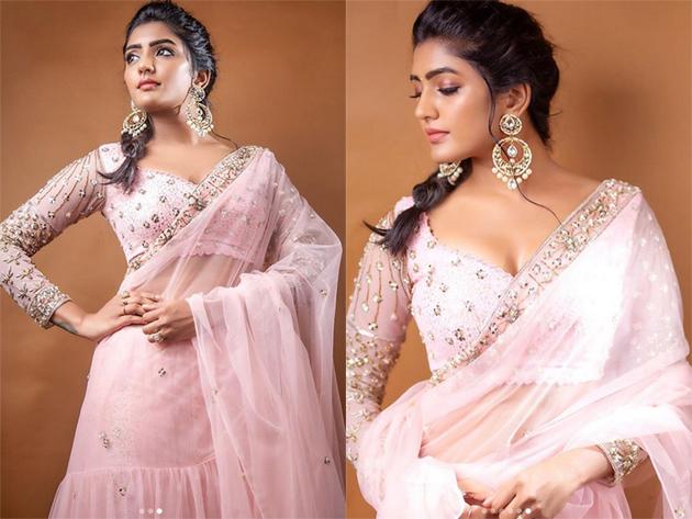 Eesha Rebba Glamourous pose in Saree