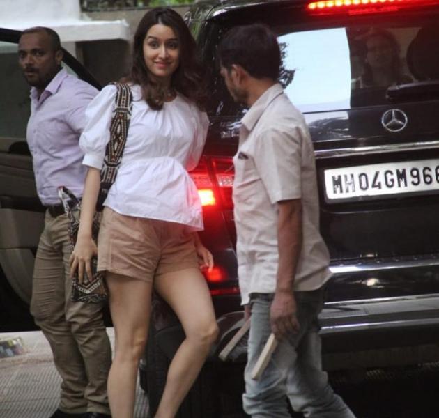 Shraddha Kapoor Glamourous Pose