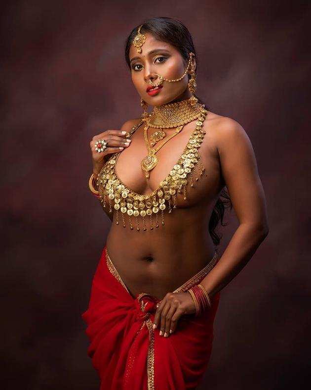 Nikitha Gokhale Bold Glamourous Pose