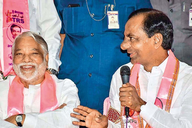 KCR To Give Second Chance to K Kesava Rao