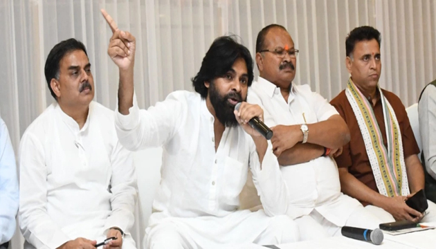 YSRCP Leaders Reacts on About Pawan kalyan Alliance with BJP