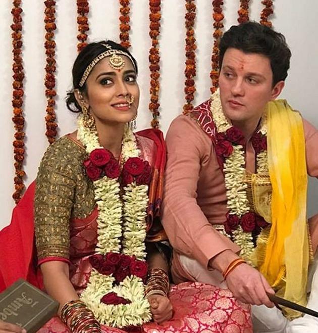 Shriya Saran Selfie with His Husband