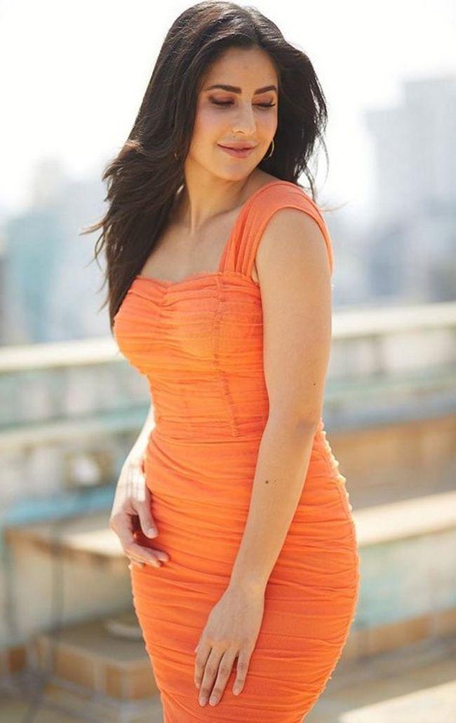 Katrina Kaif Trendy Looks - Photogallery - Page 1