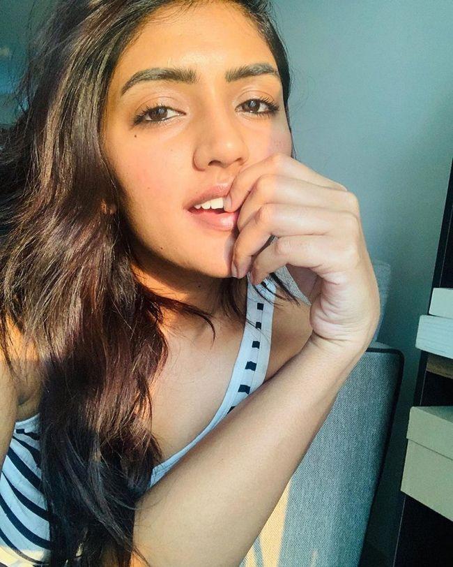 Ravishing Beauty Eesha Rebba Quarantine Poses ...