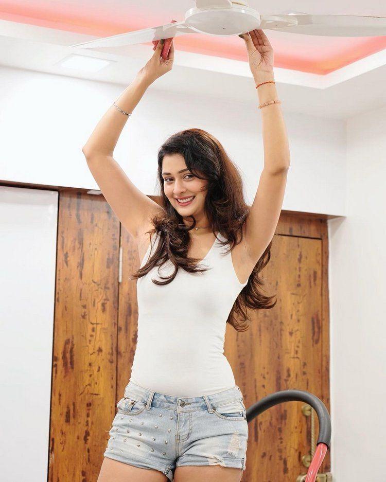 Ravishing Beauty Payal Rajput Photo Clicks - Photogallery ...