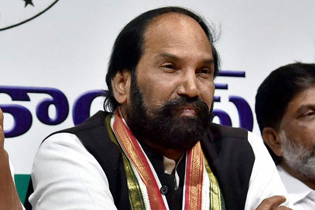 Telangana Congress arranges buses for migrant workers