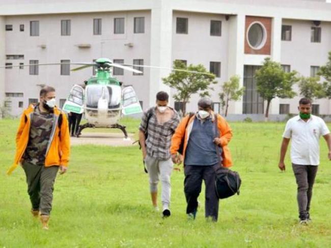 Akshay Kumar helicopter trip to Nashik in north Maharashtra during lockdown