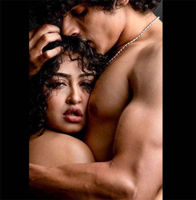 Click Click: Thriller What are these romantic stills?