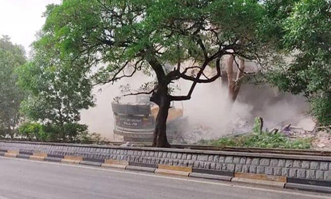 Demolition of old Telangana Secretariat