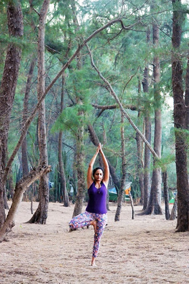 Doing yoga is health and beauty.