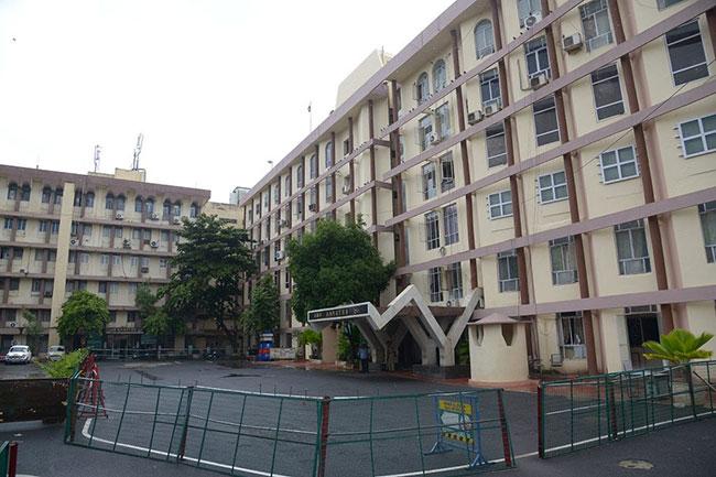 Telangana HC clears construction of KCR govt new secretariat