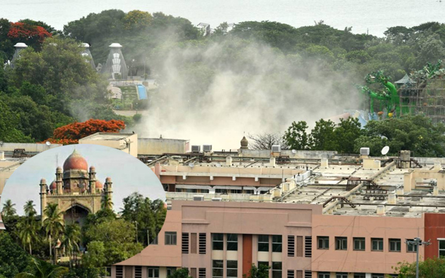 Telangana High Court Gives Stay on Secretariat Demolition