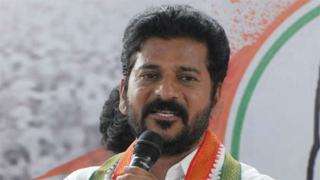 What happened to CM KCR? Revanth Reddy demands health bulletin on his health!