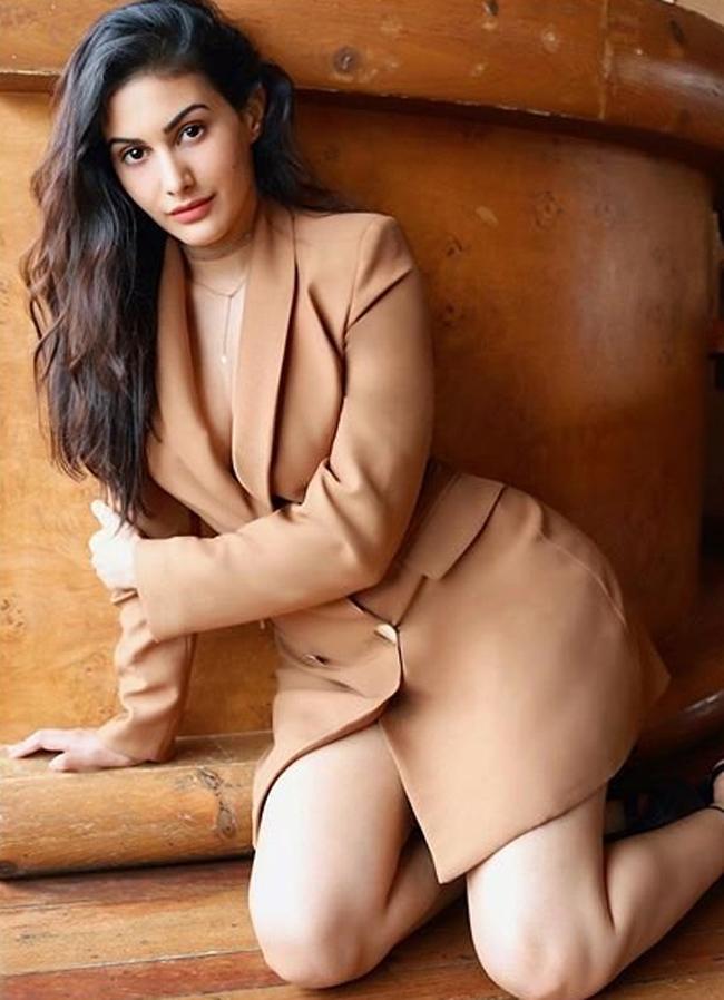Amrya Dastur Trendy Photoshoot