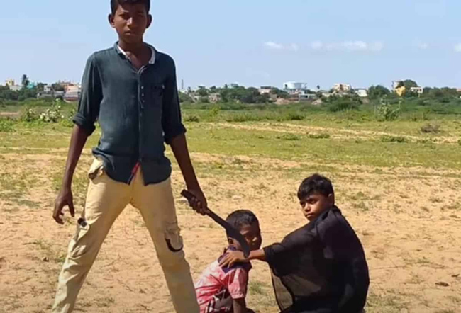 Kid Imitates Mahesh Babu