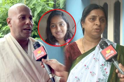 Sumedha dies: Her father complains about KTR