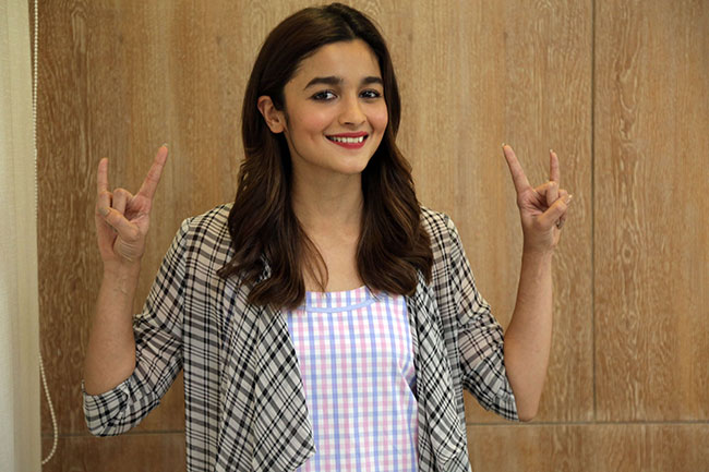 Alia Bhat To Join RRR Shoot Very Soon