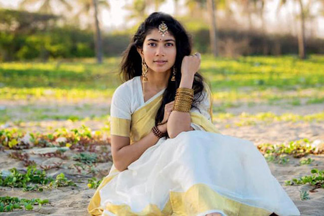 Lucky Beauty To Romance Pawan Kalyan