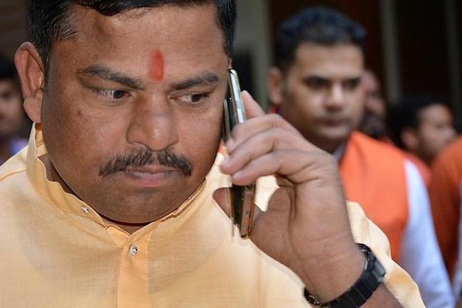 Goshamahal BJP bustle .. Rajasingh resignation campaign