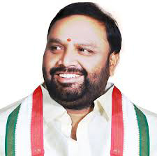 Greater fight ... Congress leader sits in High Court