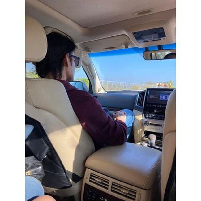 Photostory: Stylish Superstar Mahesh In His Car!