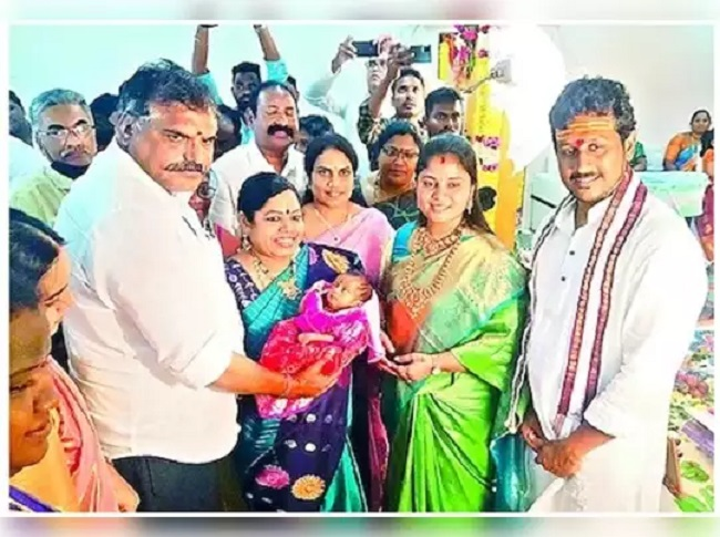 AP Deputy CM shows her love towards YS Family with her daughter's naming ceremony